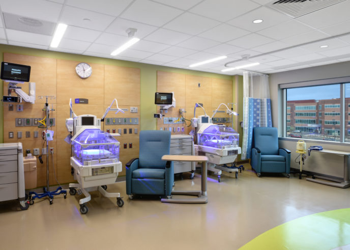 1617_childrens_hospital_059-688x491
